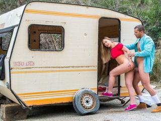 Sexy babe Selvaggia enjoys hot sex adventure outdoors