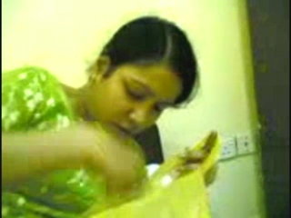 Fresh desi sexy Bangali bhabhi
