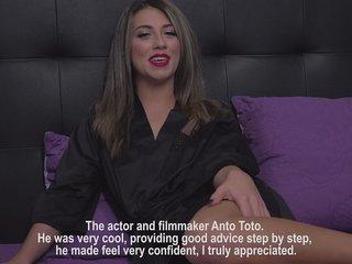 Dialogue de Mégane Lopez, nouvelle actrice porn Française.